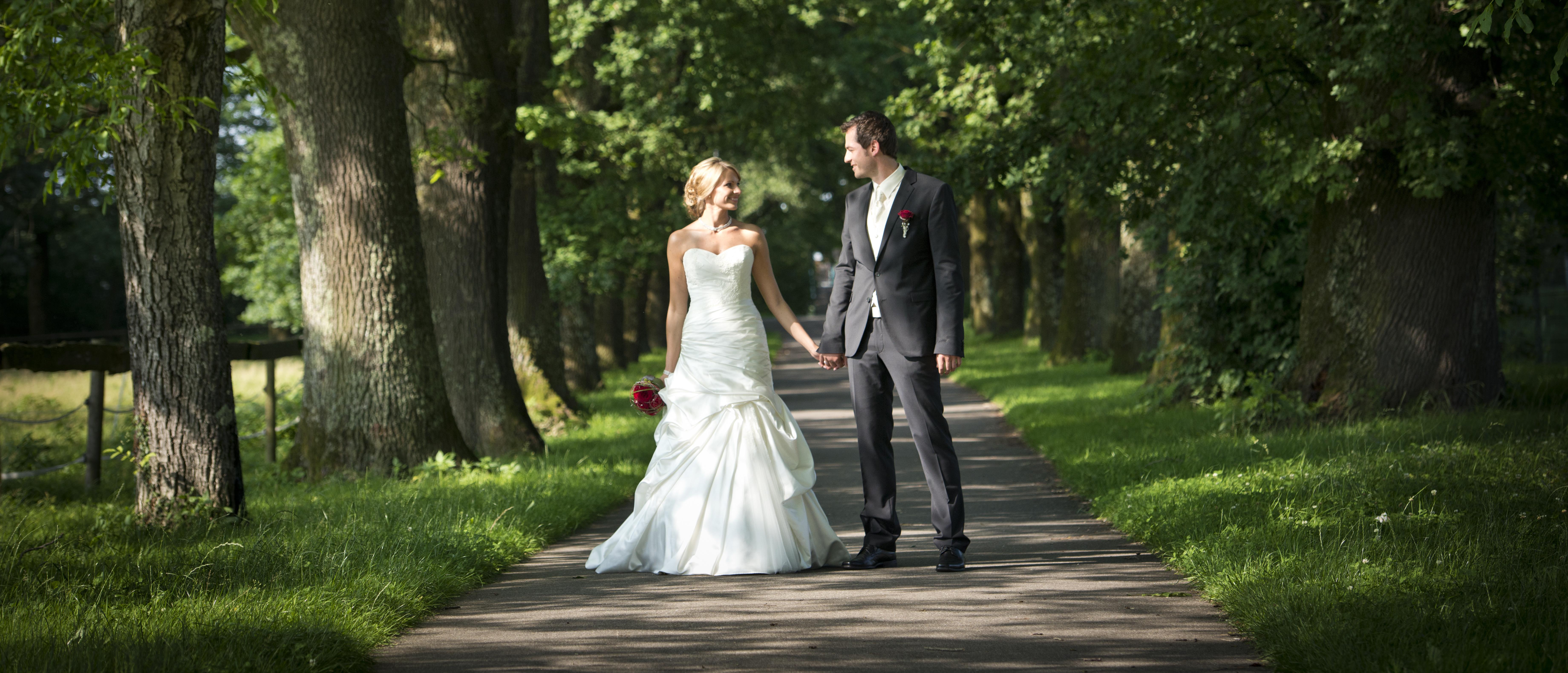 happy Hochzeitspaar